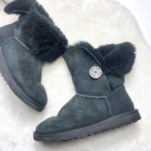 UGG | Sheepskin boots with  Bailey Boot Size 6
